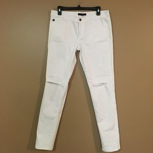 KanCan Distressed Ripped White Jeans Size 30